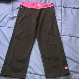 Nike Pro dri-fit cropped leggings, size small